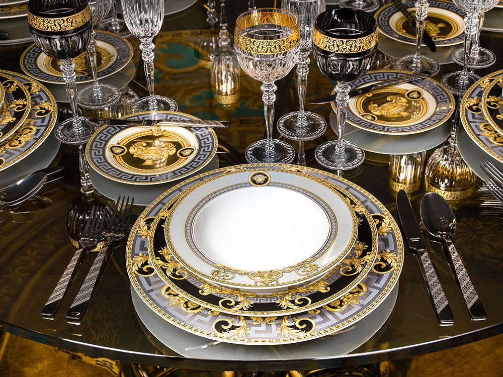 tableware, cutlery and glassware.