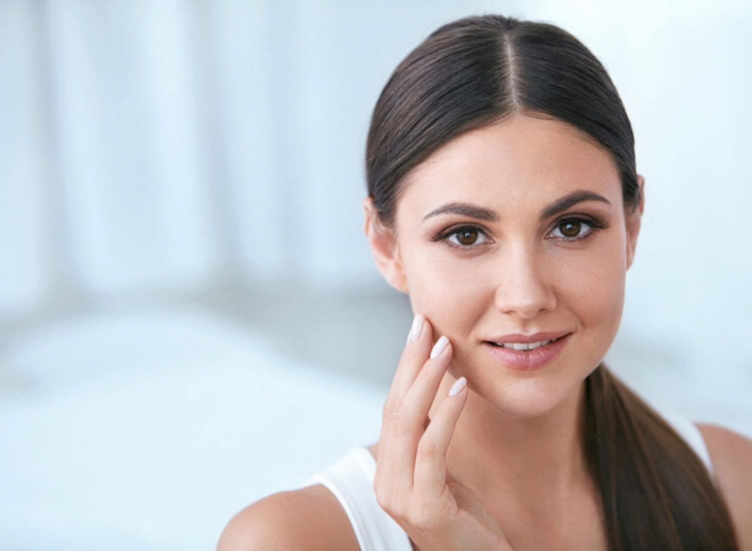 Top 15 Easily Available Ingredients That Work Wonders On Your Skin
